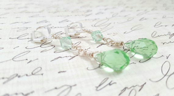 Light Green Crystal Earrings / Glass Crystal Earrings / Light Green Dangle Earrings / Faceted Glass Teardrop Earrings
