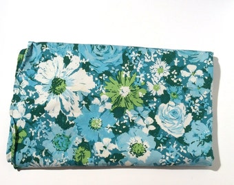 Vintage 1960s Mod/MCM Blue Floral Round Patio Table Cloth with hole in center, Perfect for Crafting Too!