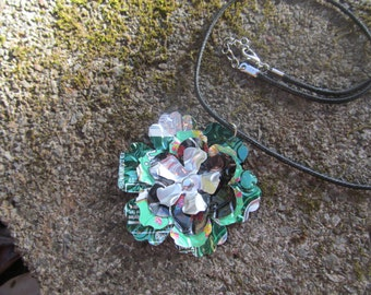 pendant flowered necklace for mom,teen girl,Aluminum necklace,soda can necklace,pendant Flowers necklace necklace Recycled, eco-friendly