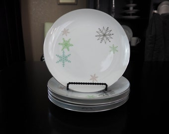 Harmony House SNOWFLAKE Salad Plate, Mid Century Replacement China, Christmas China