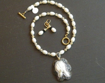 Elegant Free Form Pearl and Crystal Encrusted Pendant Necklace Set