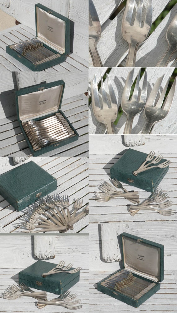 French vintage silver plated cake forks in their original box, French vintage flatware, French dining, Vintage dining, Silver plated