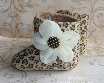Leopard Booties - Leopard Baby Boots with Flower - Leopard Furry Booties - Baby Girl Leopard Boots - Leopard Winter Baby Boots