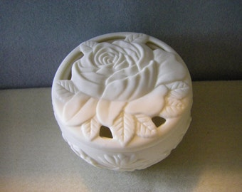 """the"""" ROSE""""  raw bisque  for TRINKET  box or POTPOURRI   holder"""