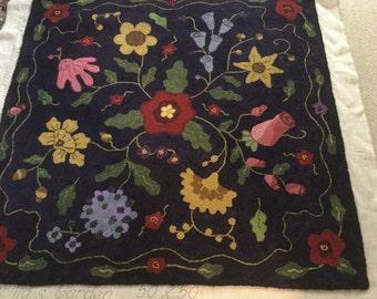 """Hand hooked rug """"Priscilla's Garden"""""""