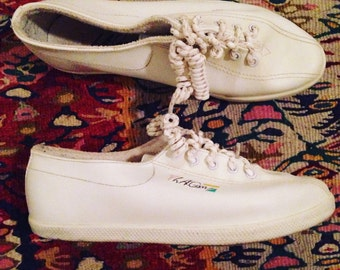1994 LA Gear flat white tennis shoes, Size 5, vintage sneakers