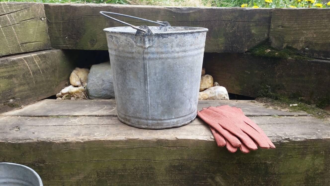 Galvanized metal bucket planter pail kindling wood holder for Metal bucket planter