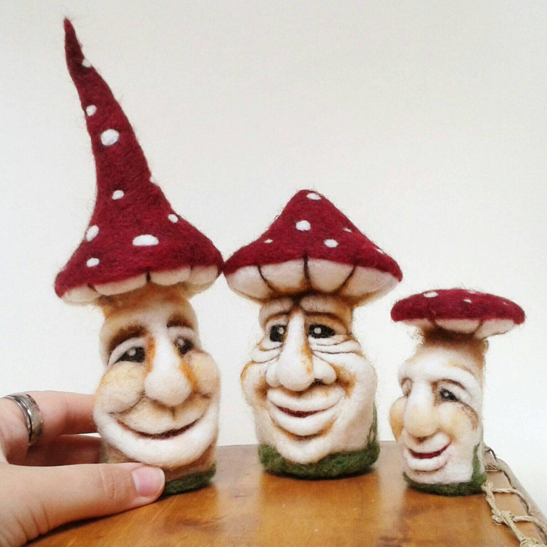 Fairy lawn ornaments - Ooak Set Of 3 Smiling Toadstools Fantasy Art Ornaments Toadstool