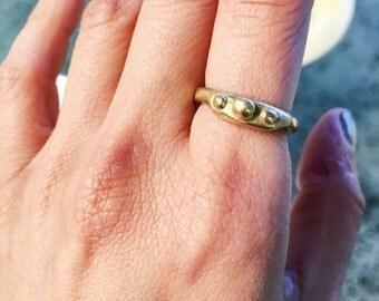 Three Dots Brass Ring