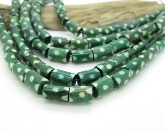 Green Bone Tube Bead, Rustic Green Bead, Green Tribal Bead, 10x6mm (10)