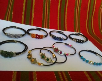 Exceptional lot Bracelets with semi precious stones