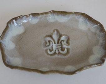 Cream Pearl Fleur de Lis Pottery Dish