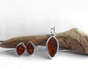 Modern Cognac Brown Amber Jewelry Set, 925 Silver Necklace Stud Earring Set, European Amber in Silver Setting, Jewelry for Women, Atigga