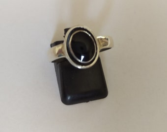Handmade Solid 925 Sterling silver and onyx ring.