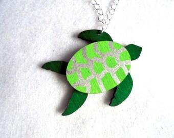 Chain, sea turtle (647)