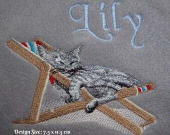 Personalised Fleece Cat Blanket - Relaxing Kitten Design (315)