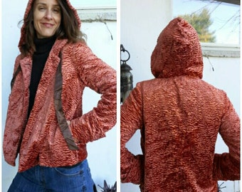 """size S/M vintage 90s faux persian lamb velvet hoodie in copper apricot, shine and luxe / Bust 38""""/97cm."""