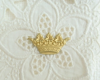 Raw Brass Small Crown Stamping 6-159-R