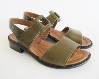 Vintage • Sandals • Leather Sandals • Green Sandals • Women's Sandals • Shoes • Summer Shoes • Sandals • US 7 UK 4,5 EU 37.5 • Bohemian