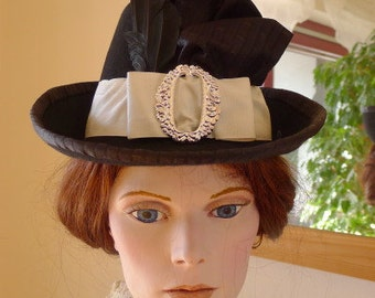 Felt hat for late bustle style