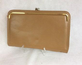 Vintage Clutch Purse Bag Japelle By Shilton International Beige Faux Leather c 1970s
