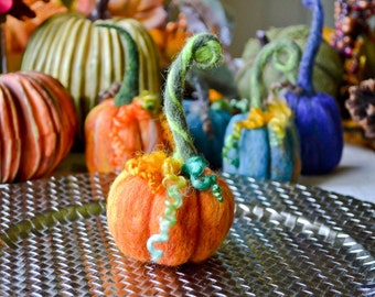 1 Needle Felted Pumpkin, Fall Decor, Thanksgiving, Halloween, Table Centerpiece, Homemade Rustic Decoration