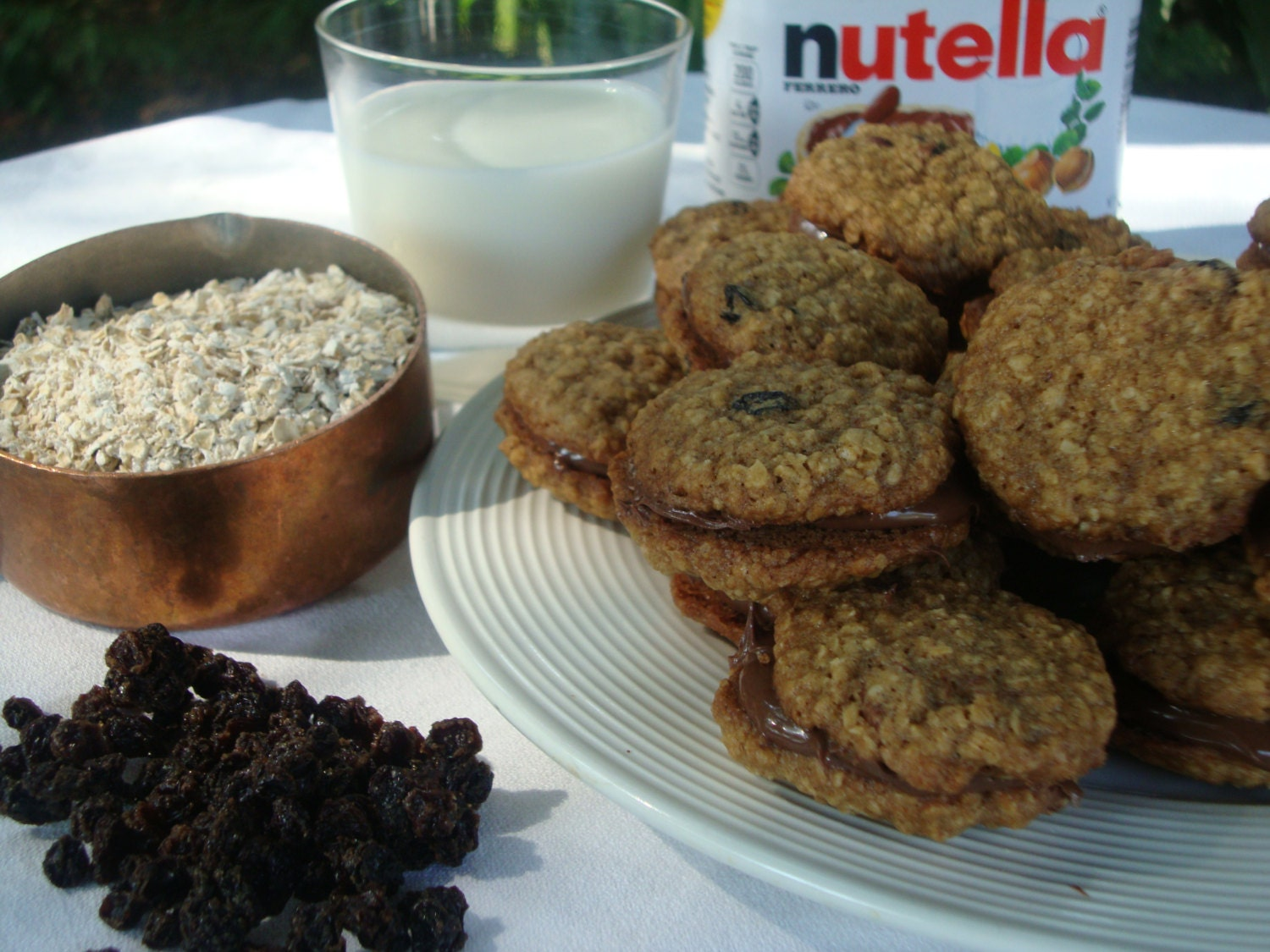 Oatmeal Currant Lace Cookies with Nutella Sandwich by GigisTable