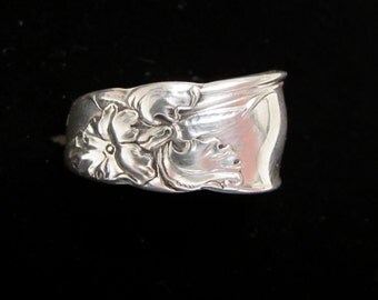 1953 White Orchid Spoon Ring. Custom sizing available.