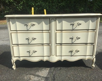 Dixie French Provincial 6 Drawer Dresser