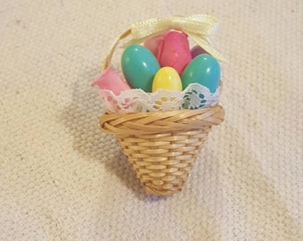 Vintage Easter egg basket pin