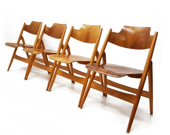 Egon Eiermann Folding Chairs - Set of 4 - German - Moulded Ply - spindle legs - Model SE 18 - Germany - Wilde & Spieth - As seen in MOMA