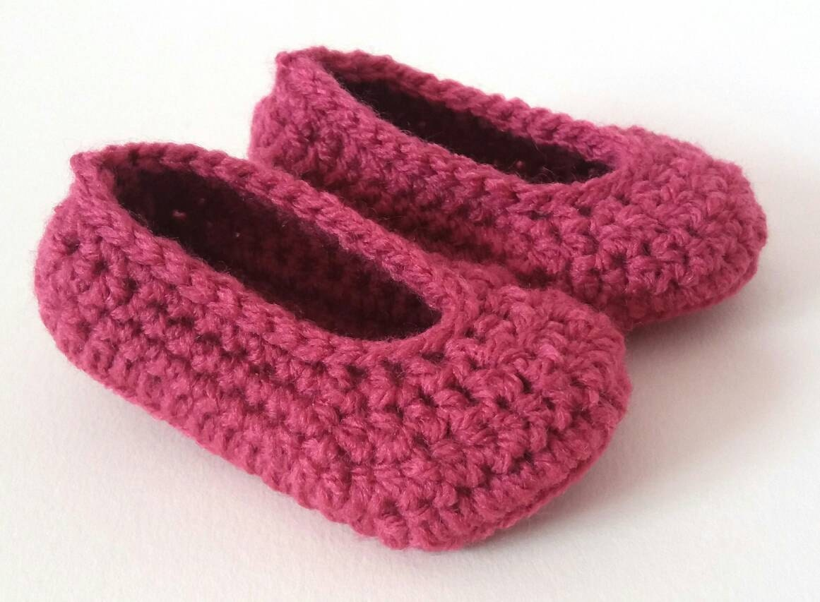 Crochet baby girls 3-6 months pink crib shoes booties