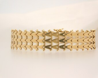 Ladies Special Design 14K Yellow Gold
