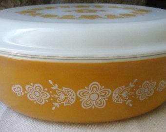 Vintage 1970 Pyrex Gold Butterfly 2 1/2 Quart Casserole Dish