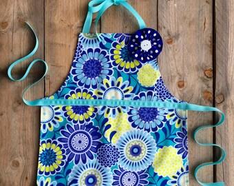 toddler apron - birthday gift - Gift for Girls - Preschool Graduation Gift- chevron apron - gift for kids - kids apron - child apron