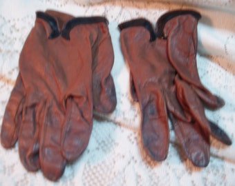 Brown leather short gloves