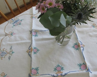 Table linen vintage Swedish embroidery