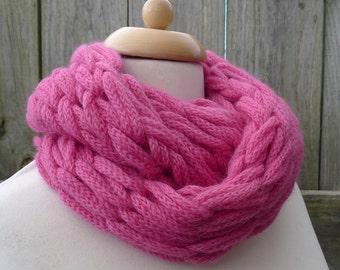 Merino Snood: bright pink