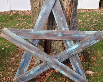 Rustic Star From Reclaimed Pallet Wood