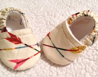 Baby booties big arrows in cream ( prints may vary), Baby shoes, Crib shoes, baby gift,