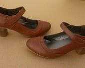 Holidays Sale 20%, Brown Shoes, Brown Pumps, Heeled vegan Pumps, High Heel Shoes, vegan shoes, RIUS Model cuero.
