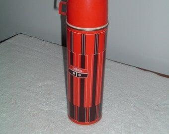 Vintage King-Seeley THERMOS Quart Size Red Black Metal