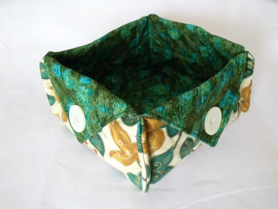 sweet basket, christmas box, christmas bowl, candy basket, fabric box, nibbles bowl, ivy and gold fabric with green mottled cotton lining