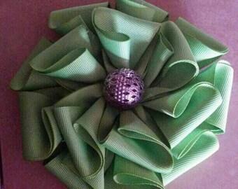 Green flower bow