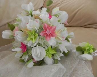 Wedding bouquet, bridesmaid bouquet, Bridal Flowers, Bride bouquet, Sweet Peas, Groom, Boutonniere, White, Green, Brooch, Alternative