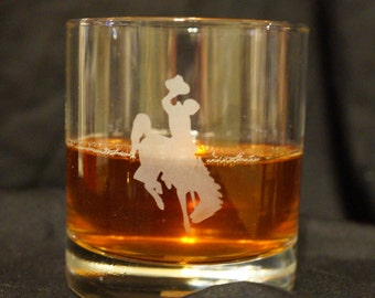 Wyoming Cowboys Etched Whiskey Glass- UW Whiskey Glass - Wyoming Cowboys- UW Cocktail Glass - Wyoming Glassware- Whiskey Set - Bar Glass