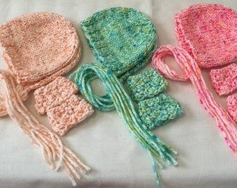Hand knit/crochet newborn photo prop - bonnet and wrist cuffs set