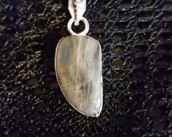 Classic Fiery  Labradorite Pendant Necklace