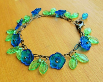 Blue flower bracelet, 30's inspired deep turquoise czech glass flower bracelet.