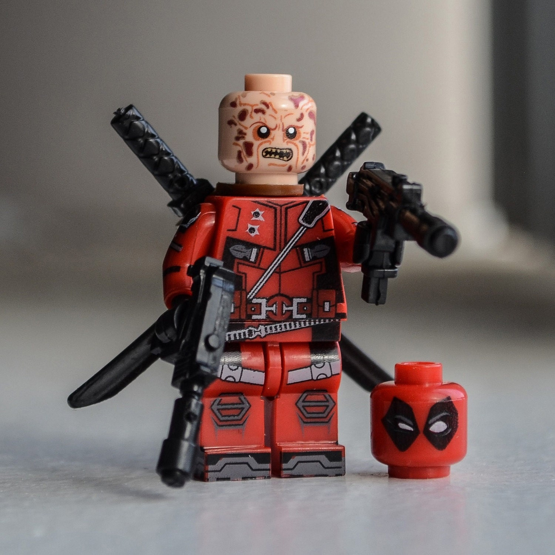 Deadpool unmasked & masked 2016 Movie Version Wade Wilson